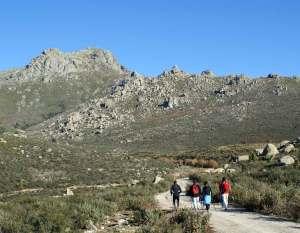 Marcha nórdica en la Sierra de Guadarrama.