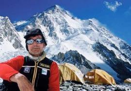 El alpinista Carlos Soria.