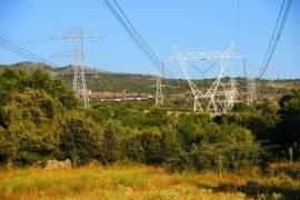 Nueva línea de alta tensión en Villalba.
