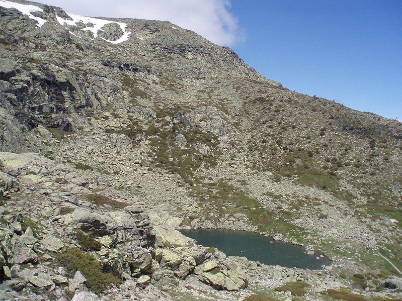 Cima y laguna Grande de Peñalara.