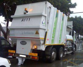 Camión de recogida de residuos de Urbaser.