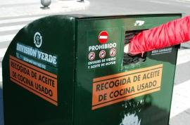 Contenedor recogida aceite. (Foto: Ayto. El Escorial).