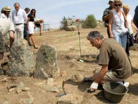 Excavaciones en la Dehesa de Navalvillar. (Foto: CAM).