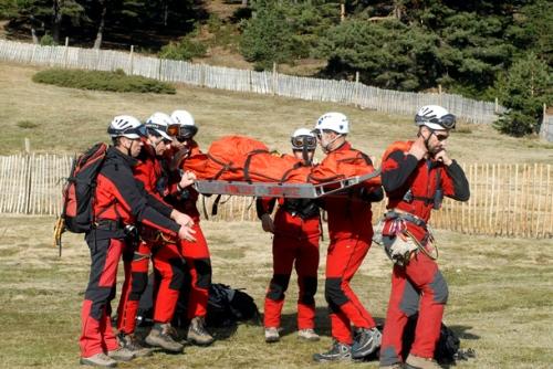 Miembros del GERA durante un rescate.