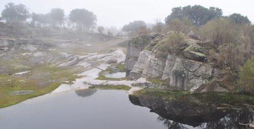 Las dimensiones de las lagunas alpedreteñas son muy variadas, dependiendo de las condiciones de impermeabilidad de las viejas canteras.