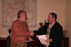 Momento de la firma del convenio.