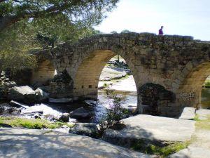 Río Cofio y el puente Mocha.