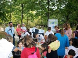 Taller infantil organizado con motivo del Día Internacional de las Aves.