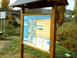 Cartel explicativo en de la Via Verde del Tajuña.