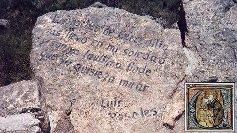Versos de Luís Rosales esculpidos en el mirador de Los Poetas.