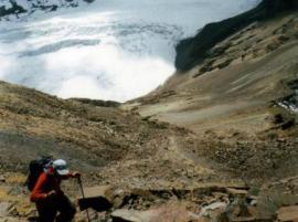 Con dos capas, muy por encima del glaciar Condoriri (Bolivia).