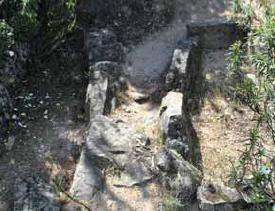 Tumbas de la necrópolis de La Cabrera.