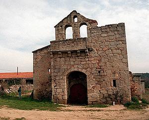 Iglesia de Navalquejigo.