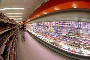 Supermercado con cámaras frigorificas sin corredera.