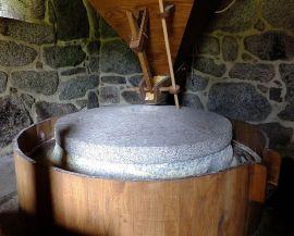 Interior de un molino harinero.