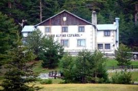 Caserón del Club Alpino Español.