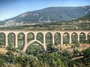 Una de las infraestructuras con las que cuenta la línea hoy fuera de uso.