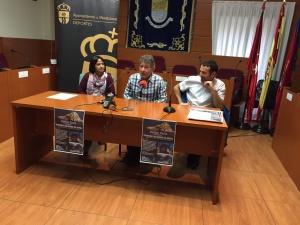 Carlos sorio, en el centro, durante la conferencia celebrada en Moralzarzal. (Foto: Ayto. Moralzarzal).