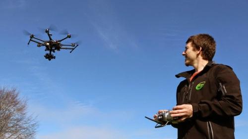 El iso de los drones en los espacios naturales está regulado por diferentes normas.