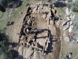 El edificio desenterrado en La Cabilda a vista de dron. (Foto: Charo Gómez)