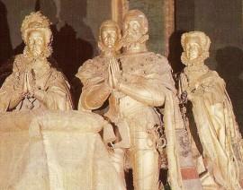 Cenotafio de Felipe II y su familia.