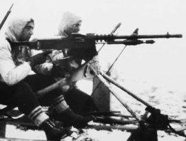 Soldados del Batallón Alpino en el Puerto de Cotos.
