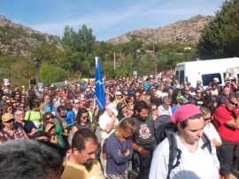 Manifestación del colectivo SOS Pedriza celebrada el pasado 5 de septiembre en Manzanares El Real. Foto: Javier Díaz Murillo.