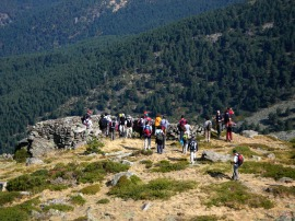 Excursionistas en una edición anterior de la salida montañera.