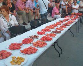 Tomates durante una edición anterior del concurso. (Foto: Ayto. Colmenar Viejo).