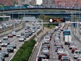Atasco de vehículos en la ciudad de Madrid.