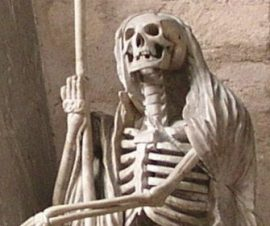 Representación escultórica de la muerte.