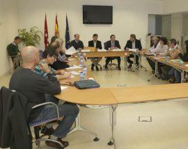 Momento de la reunión de la Mesa Trabajo en torno al lobo en la Comunidad de Madrid. Foto: CAM.