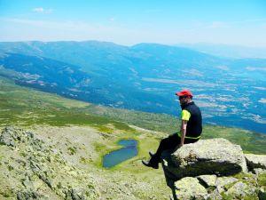 Bauti Bermúdez en la cresta de Peñalara.