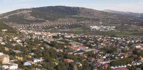 Vista panorámica de Collado Mediano desde Las Eras (norte).