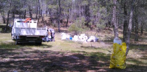 Recogida de escombros realizada durante el año 2016 en el monte público.