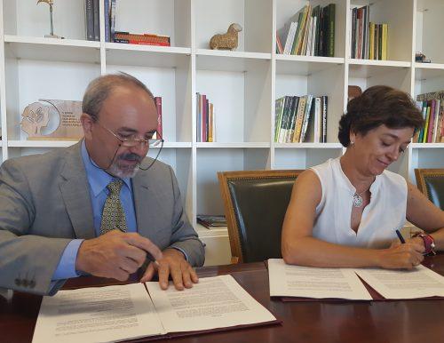 Momento de la firma del convenio. Foto: MAPAMA.
