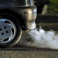 Utilizar el coche para evitar el contagio es un riesgo mucho peor que el virus, según Greenpeace