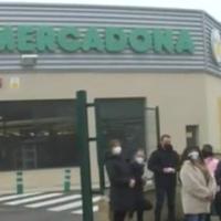 Residentes de 'El Bosque' denuncian la conversión de un supermercado en centro logístico