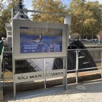 Madrid instala el primer panel táctil interactivo para conocer la fauna y la flora del río Manzanares